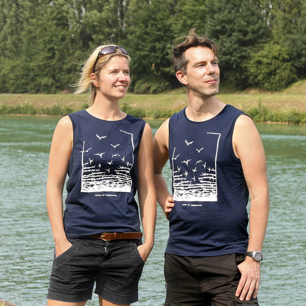Daniel and Julia at the Muenster canal with the new sleeveless Freedom-Shirts