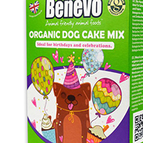 Partytime! With the organic dog cake mix from Benevo