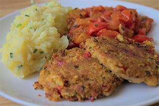 Vegane Bratlinge mit Kartoffelpüree aus 'Vegan Kochen mit Ente'