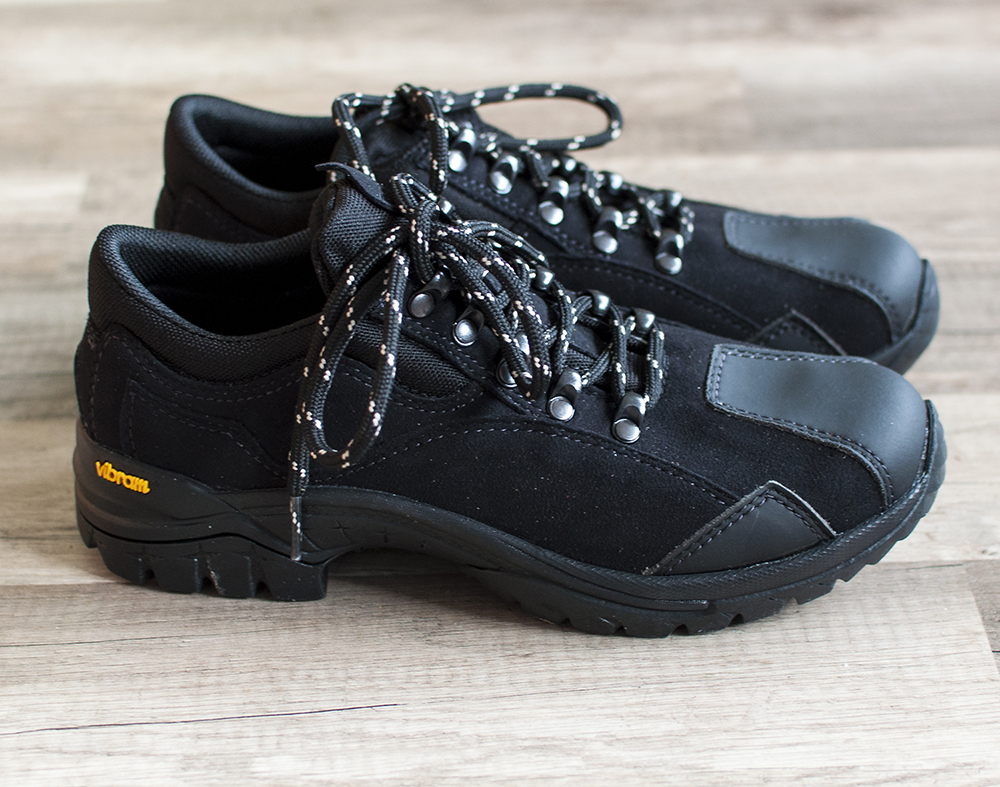 Low-cut vegan hiking shoes from ethical wares