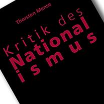 Ausschnitt aus dem Cover des Buches 'Kritik des Nationalismus'. Roter Text auf schwarzem Buch. Das war's.