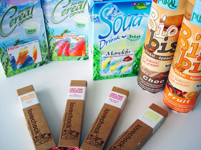 Auf dem Bild sind die neuen Produkte im roots of compassion veganladen zu sehen.