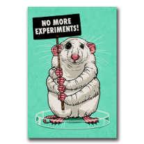 Eine Maus mit vier Armen, die gegen Experimente an Tieren protestiert