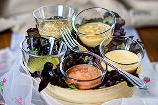 Leckere rohvegane Salatdressings von Claudi