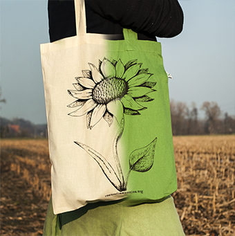 New bags with vegan flower - beige or green!