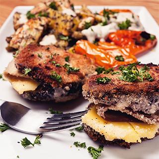 Rezeptfoto: Veganes Cordon Bleu mit Kartoffelspalten von Vegan Guerilla